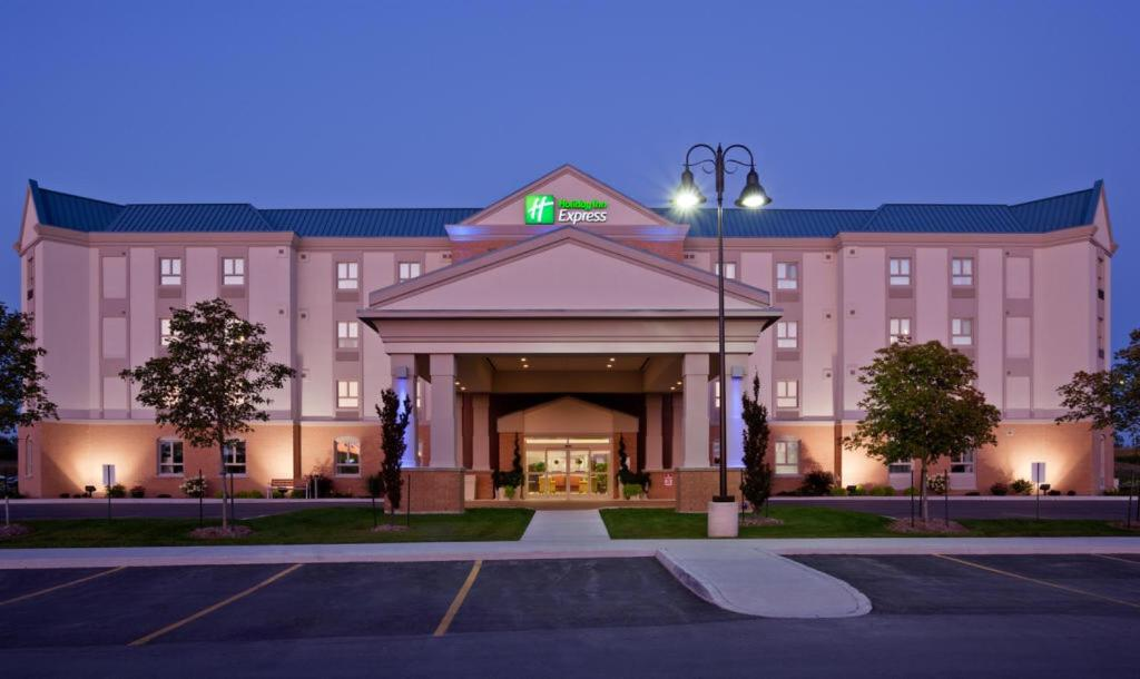 Holiday Inn Express and Suites Kincardine