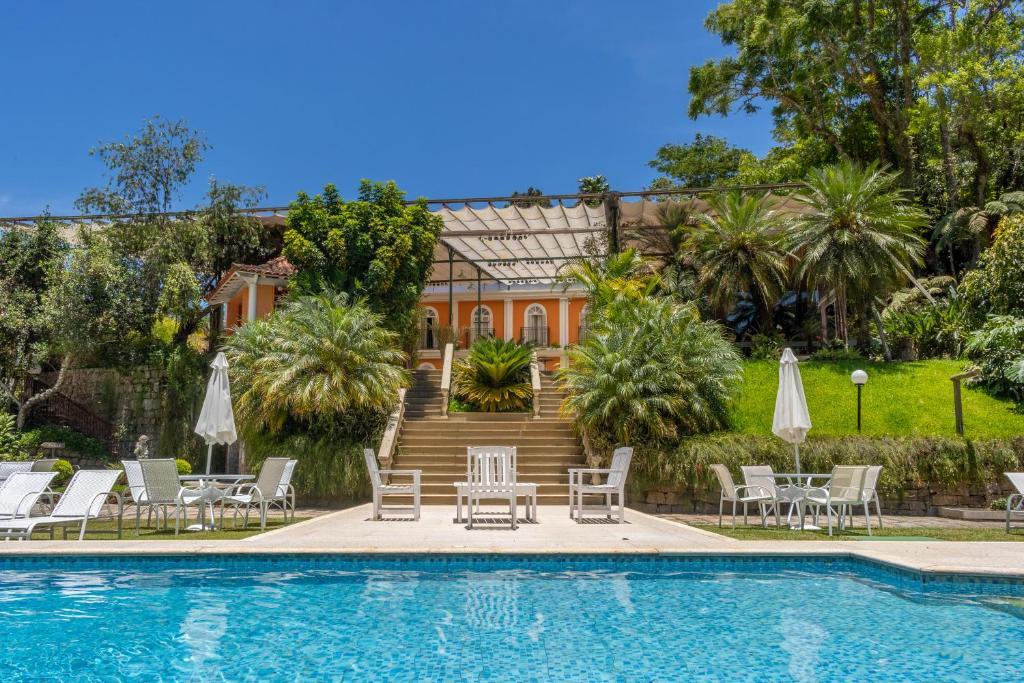 The swimming pool at or close to Locanda della Mimosa