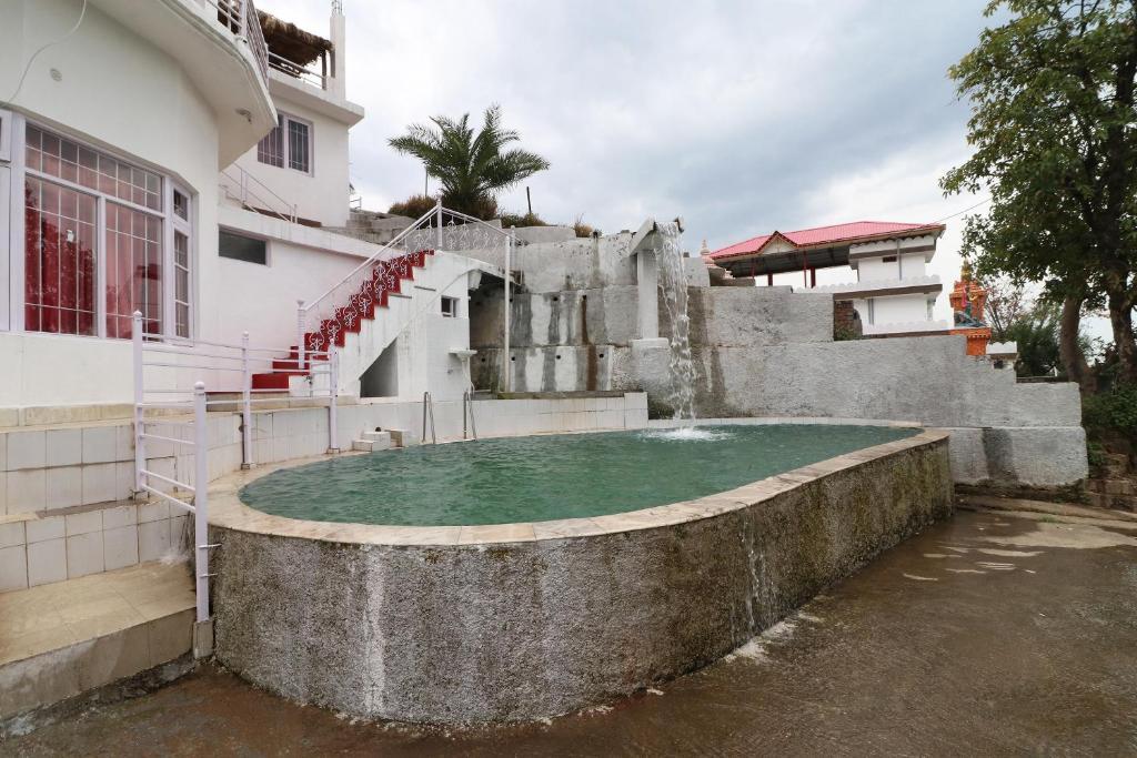 Aqua Waterfall Hotel
