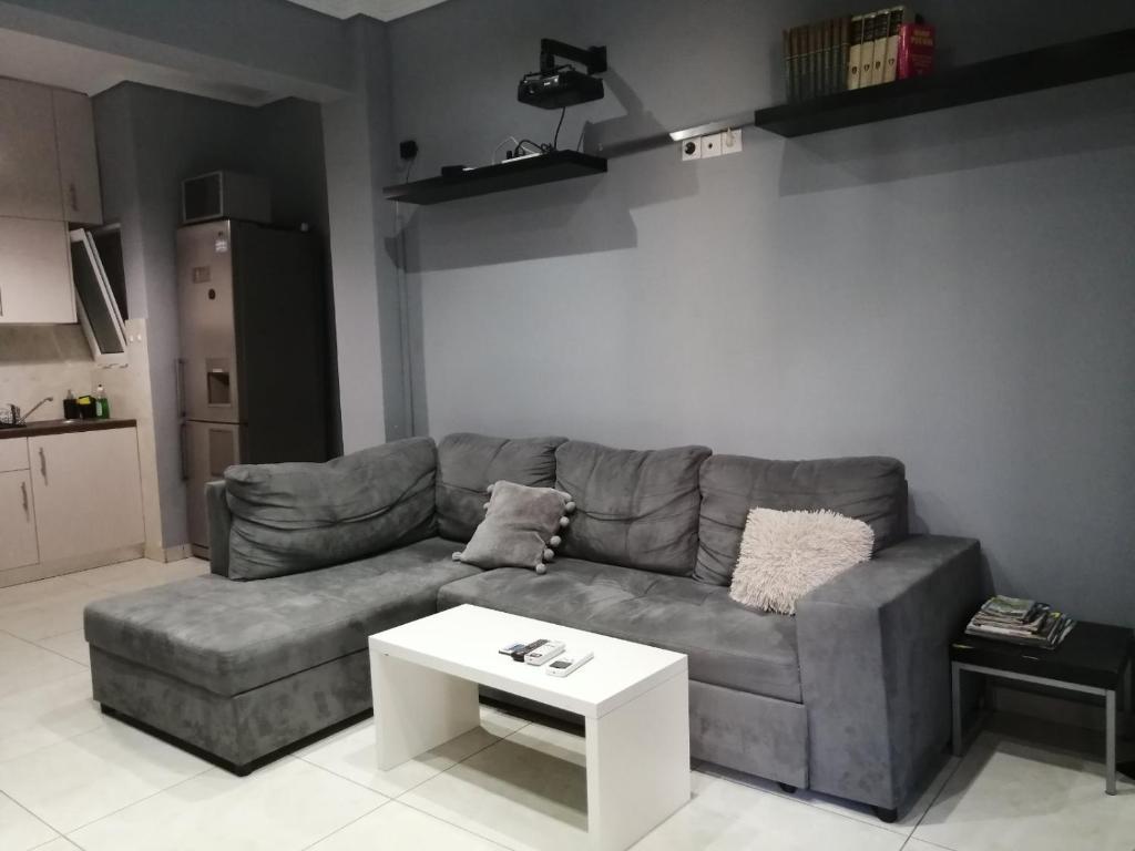 Bright and modernized apartment close to Psyri