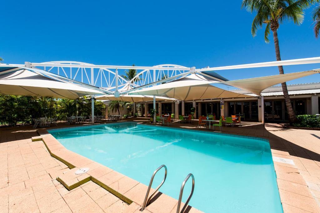 The swimming pool at or near Ibis Styles Karratha