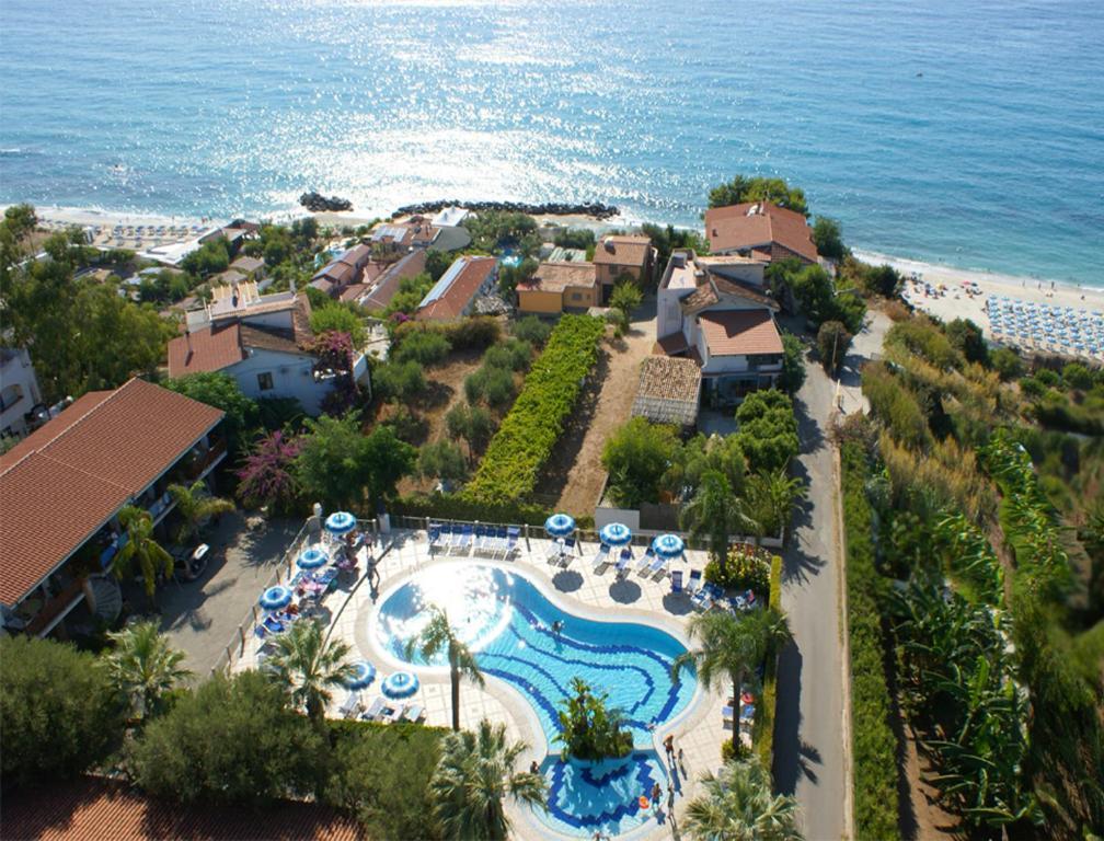 Blick auf Tonicello Hotel Resort & SPA aus der Vogelperspektive