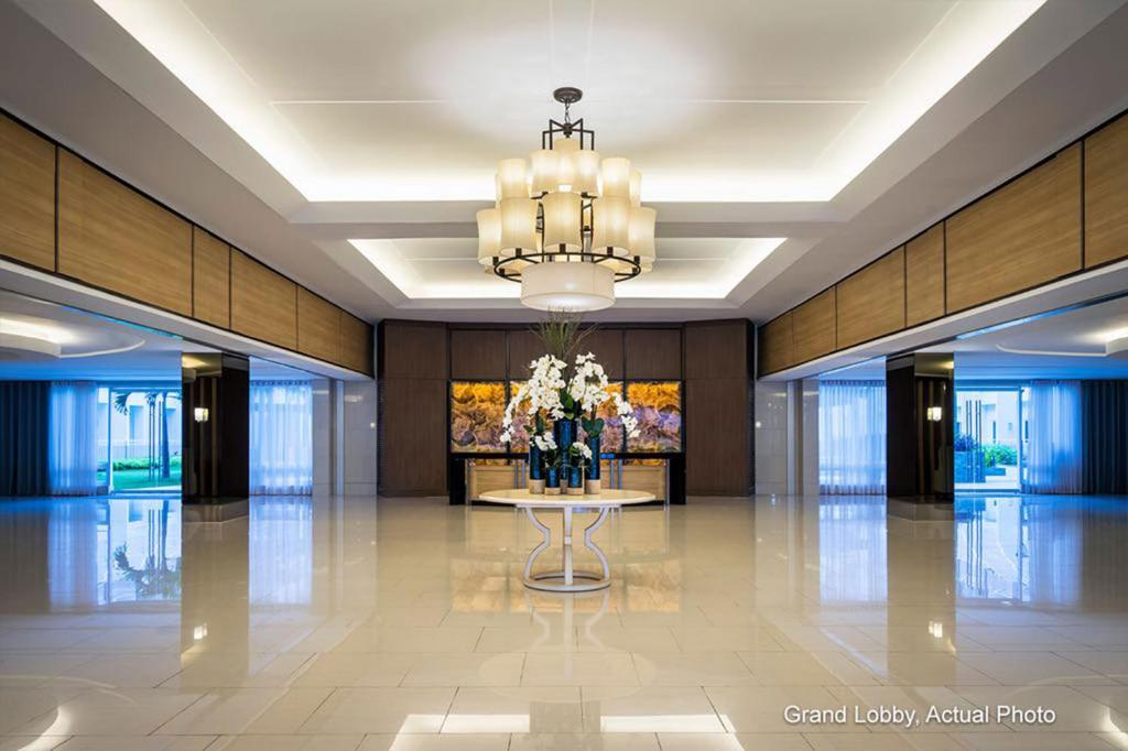 The lobby or reception area at Shell Residences