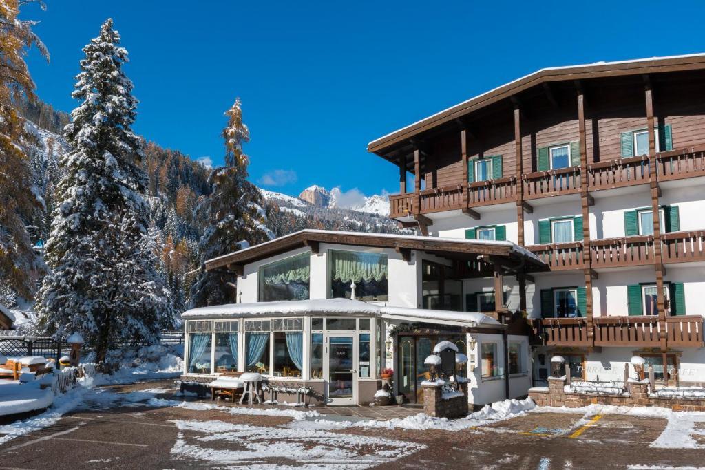 Hotel Al Lago Soraga, Italy