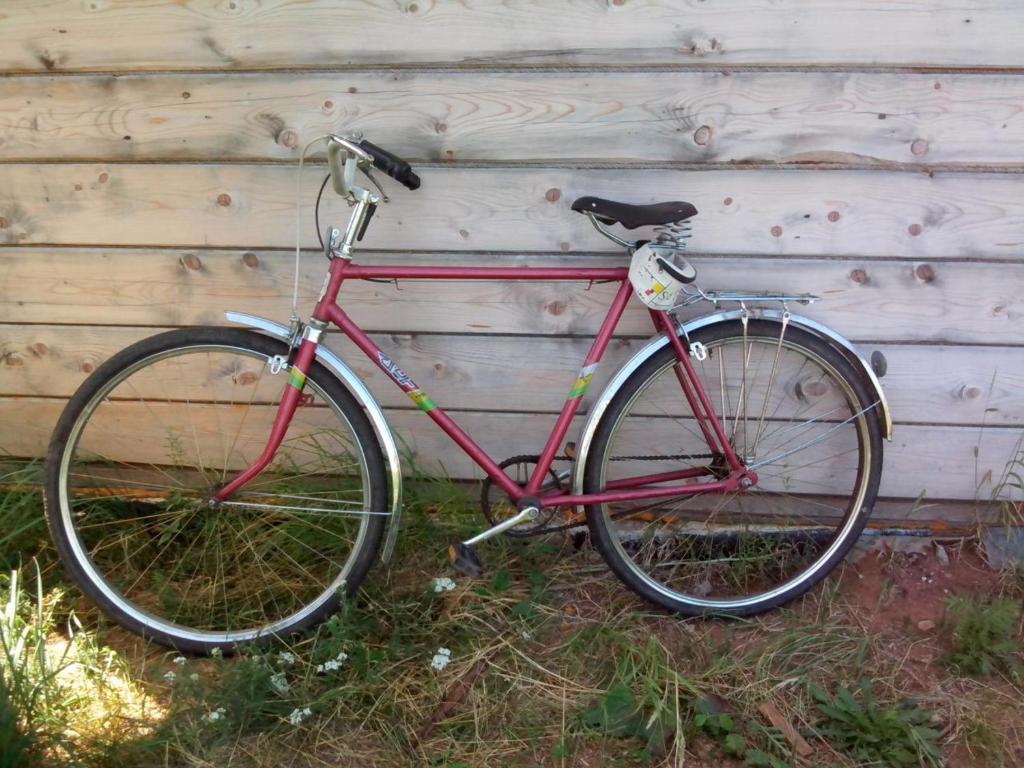 Катание на велосипеде по территории Old Roads Apartments или окрестностям