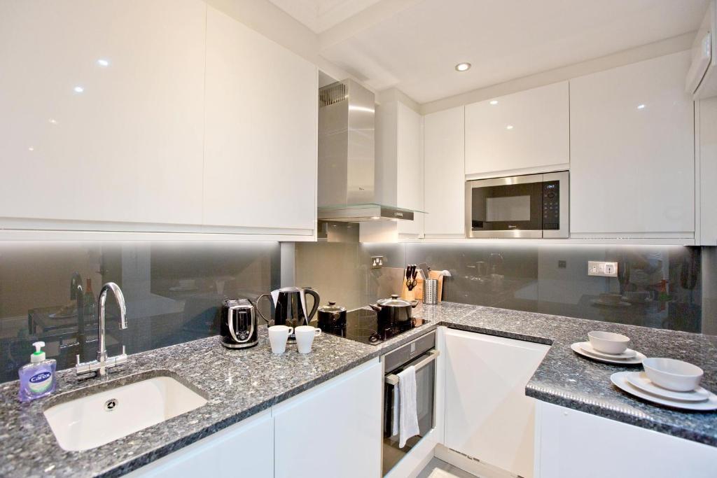 High Street Kensington Apartments - Laterooms
