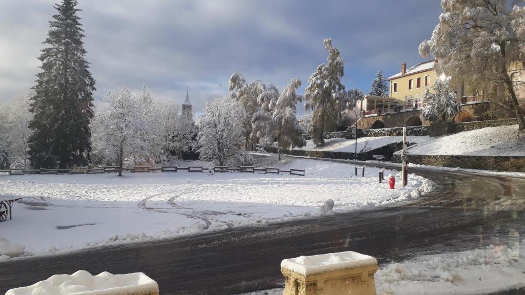 L'établissement Hotel gites des touristes en hiver