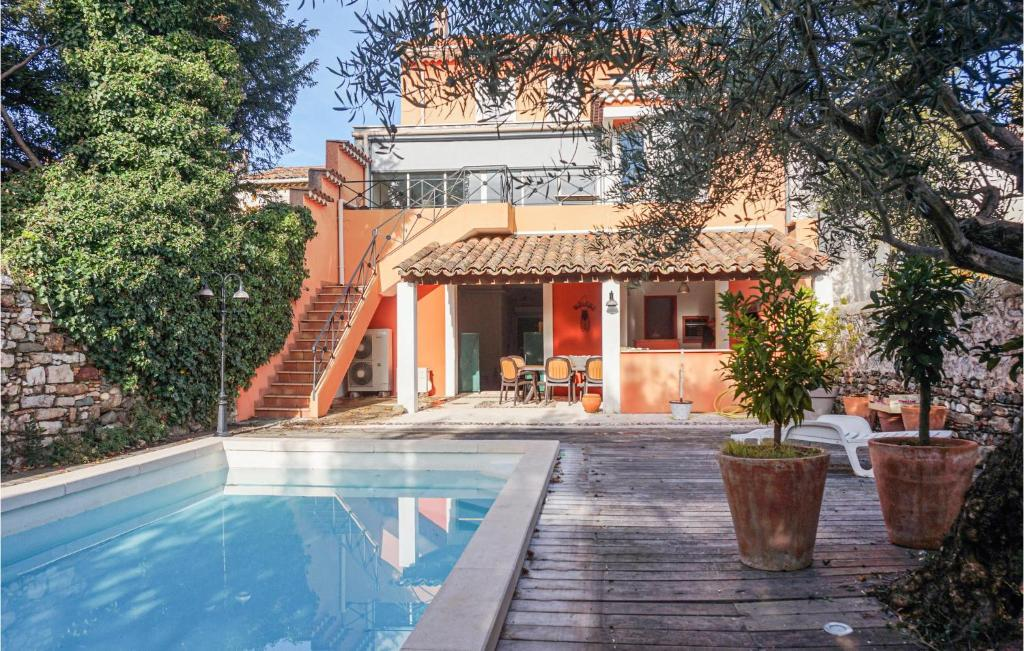 The swimming pool at or close to Nice home in Saint Chinian w/ Outdoor swimming pool and 5 Bedrooms