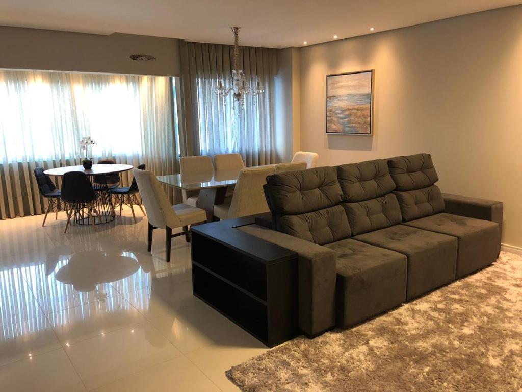 A seating area at Apartamento 50 mt praia de Balneario Camboriu