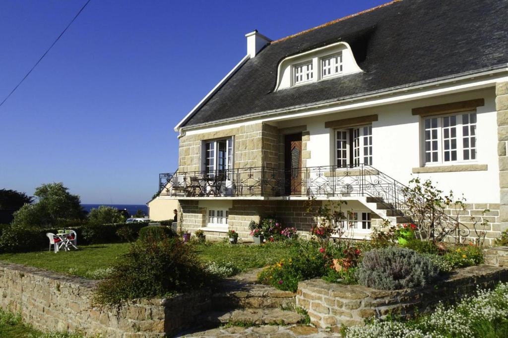 Holiday Home Plouhinec - BRE06107e-F