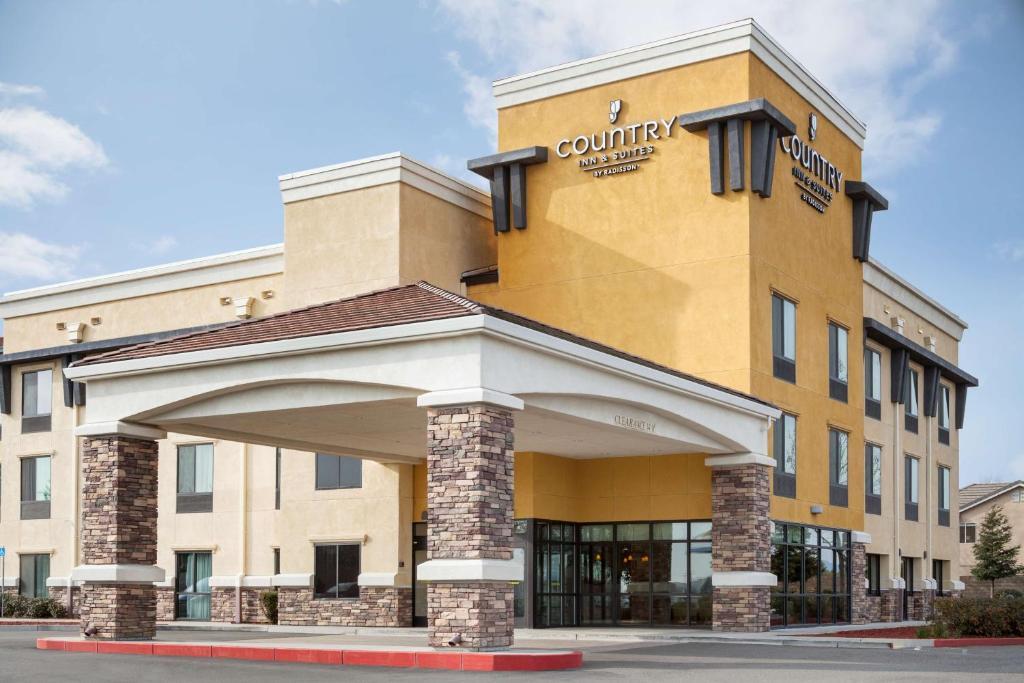 Country Inn & Suites by Radisson, Dixon, CA - UC Davis Area