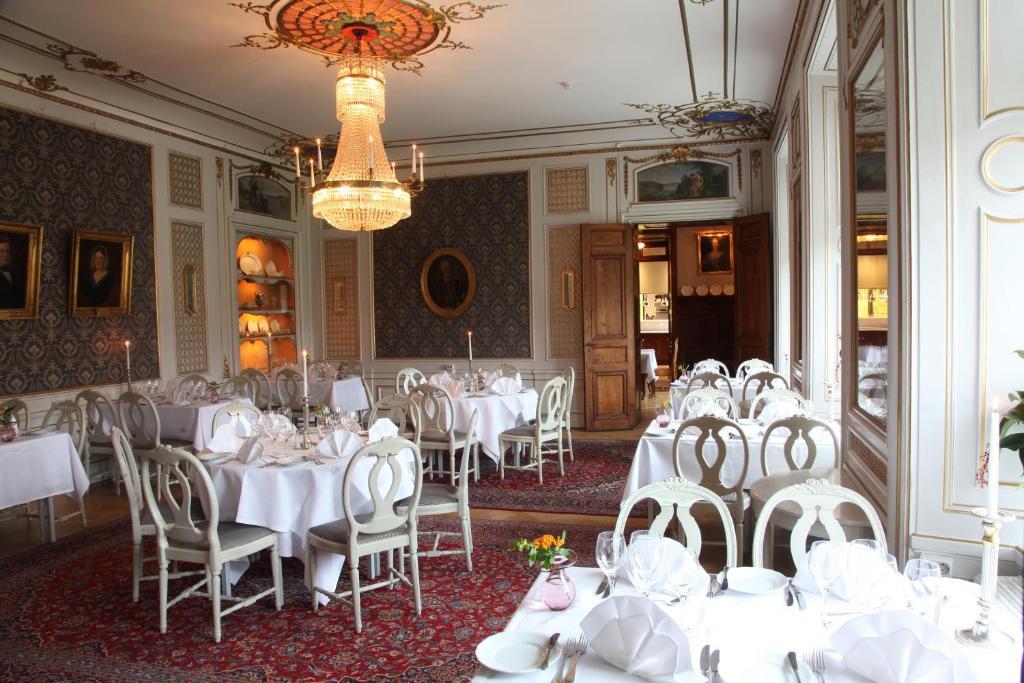 En restaurang eller annat matställe på Södertuna Slott