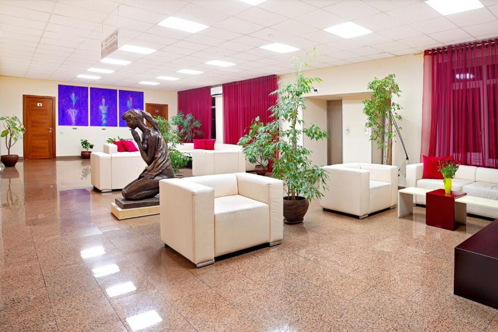 The lobby or reception area at Аrt-Volzhskiy