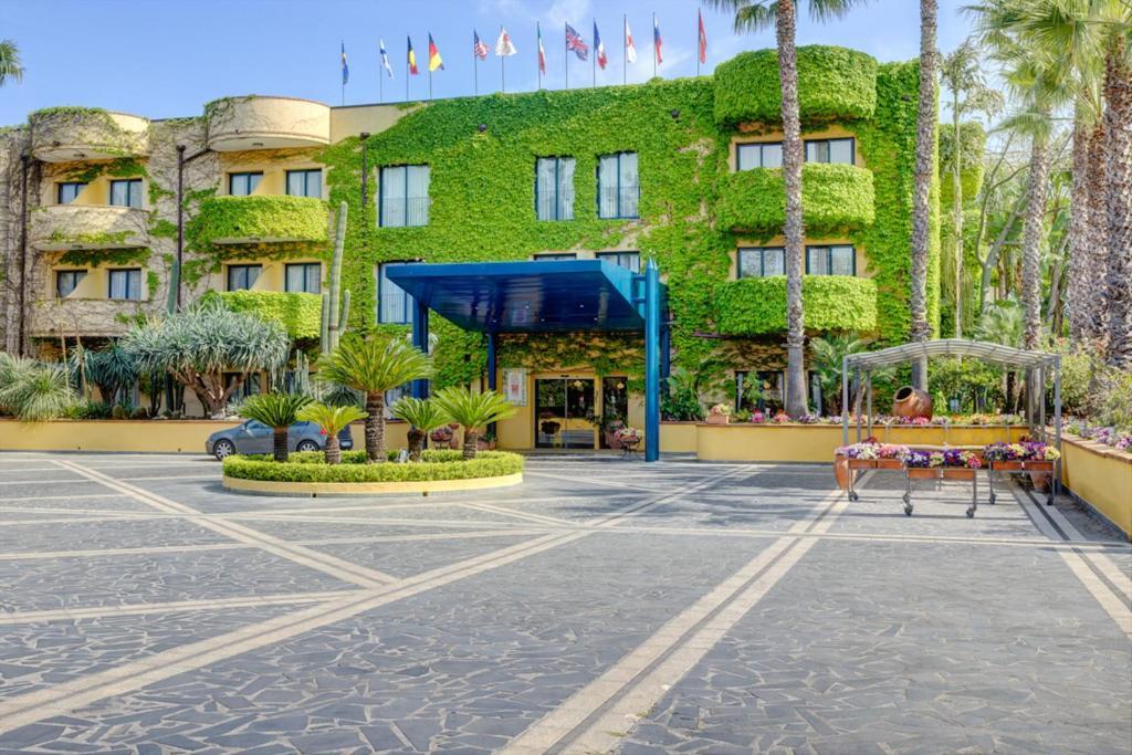 Presso Hotel Caesar Palace Giardini Naxos – iDriver NCC, Szicília fényképe - Tripadvisor