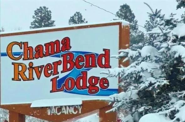 Chama River Bend Lodge during the winter