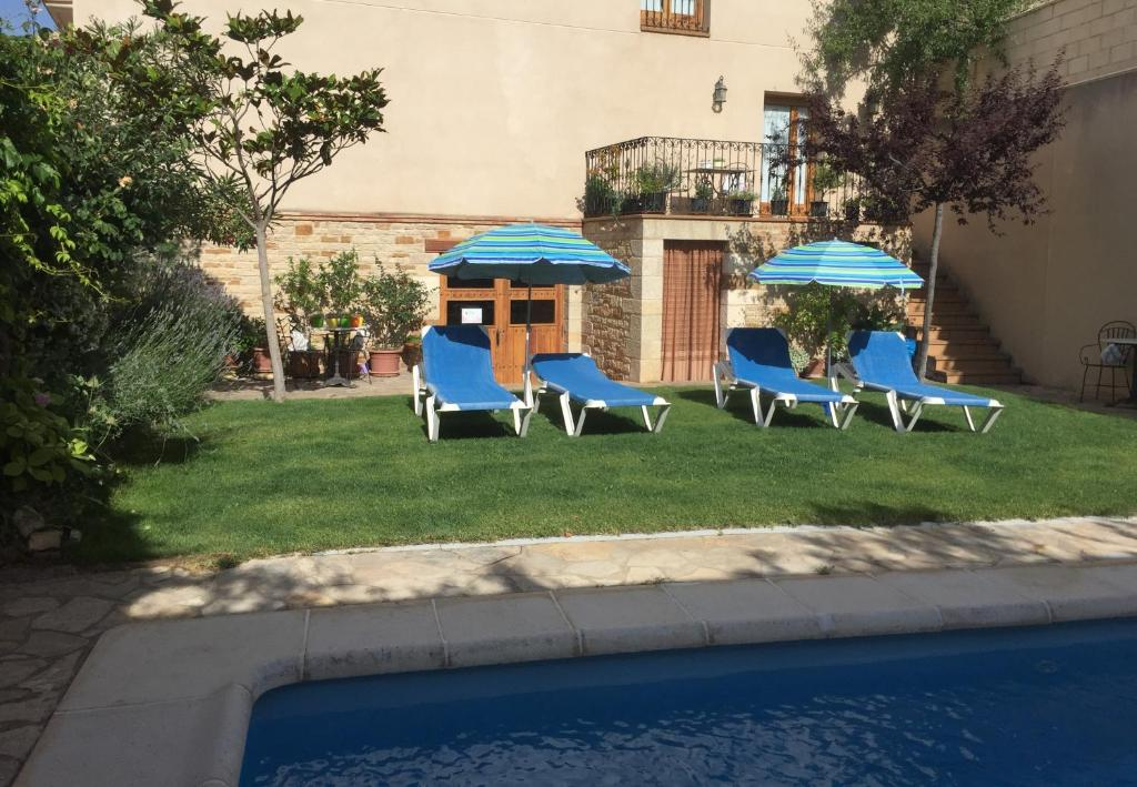 The swimming pool at or near Hotel Castellote