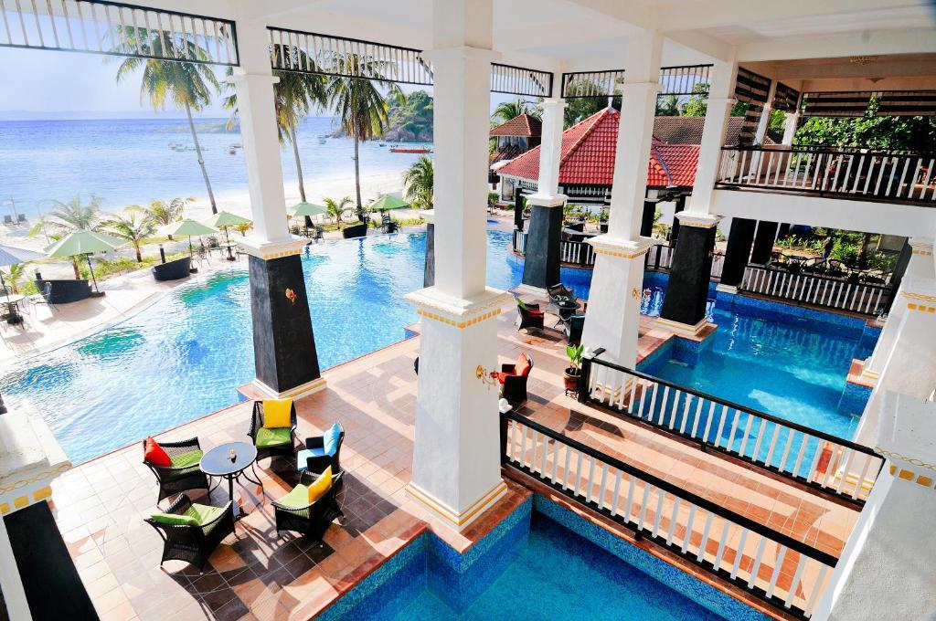 The swimming pool at or near Sari Pacifica Resort & Spa, Redang