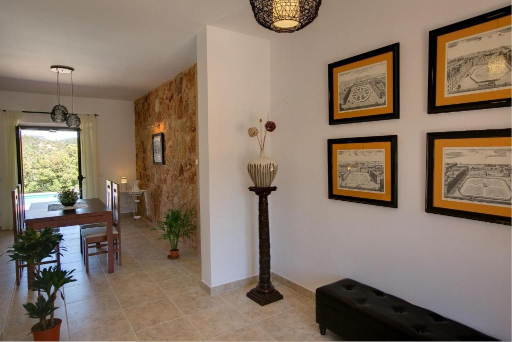 Cas Concos Villa Sleeps 6 Pool Air Con WiFi 11
