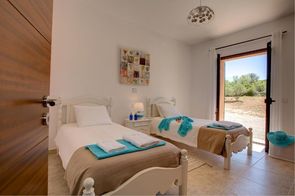 Cas Concos Villa Sleeps 6 Pool Air Con WiFi 20