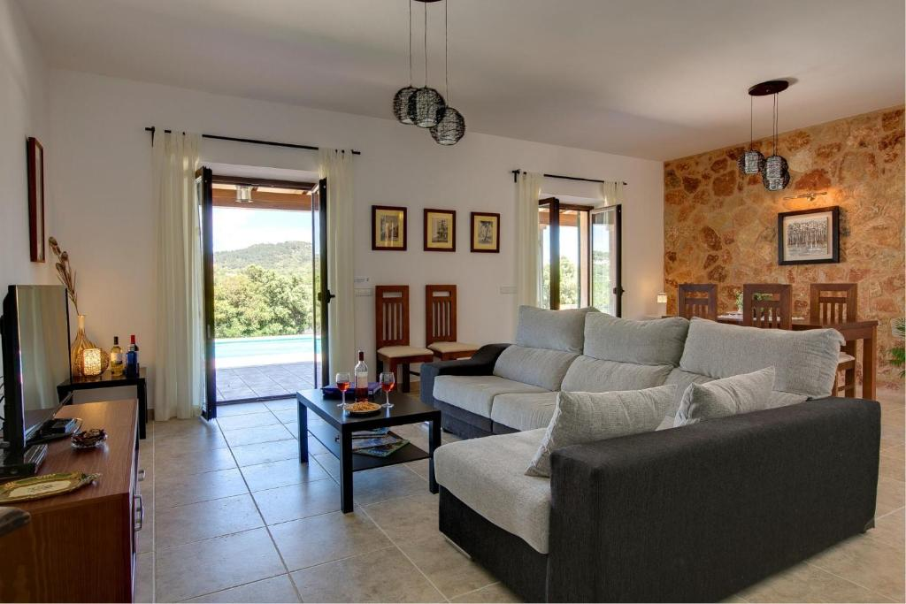 Cas Concos Villa Sleeps 6 Pool Air Con WiFi 31