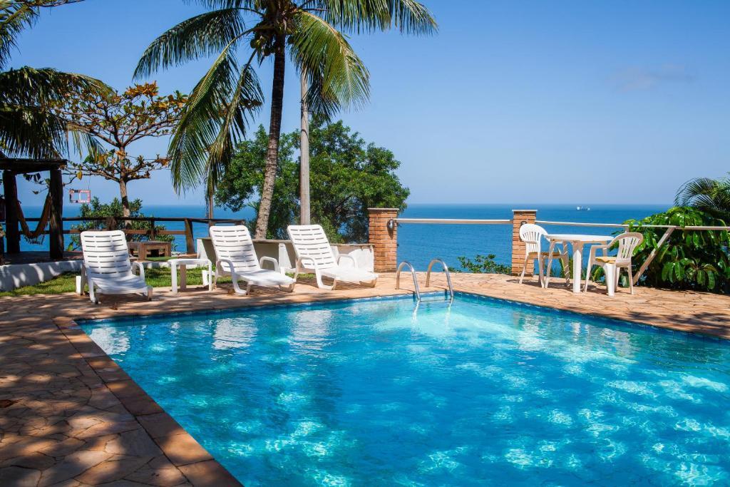 A piscina localizada em Pousada 8 Ilhas ou nos arredores
