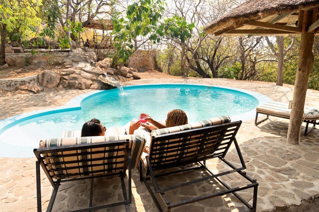 Het zwembad bij of vlak bij Safari Beach Lodge