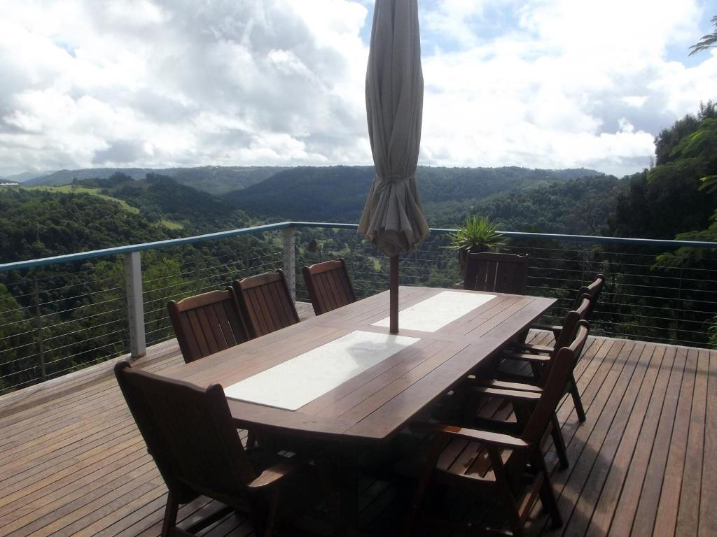 Montville Holiday House