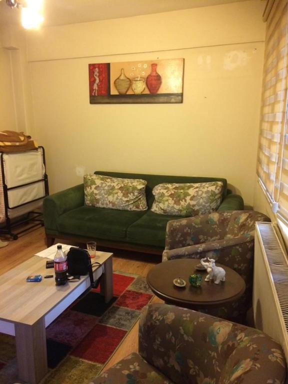 Sisli near Cevahir mall 2+1 fully furnished