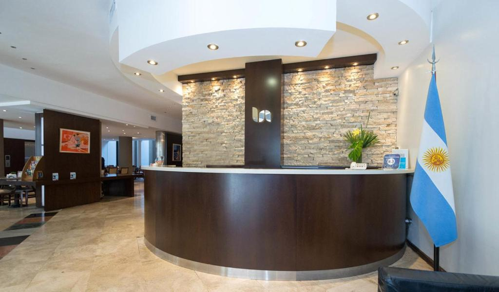 The lobby or reception area at Urquiza Apart Hotel & Suites