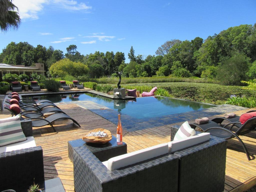 The swimming pool at or close to Lily Pond Country Lodge