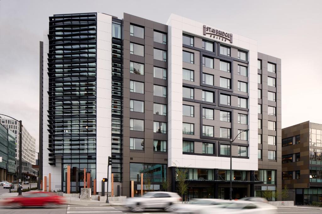 Staybridge Suites Seattle - South Lake Union