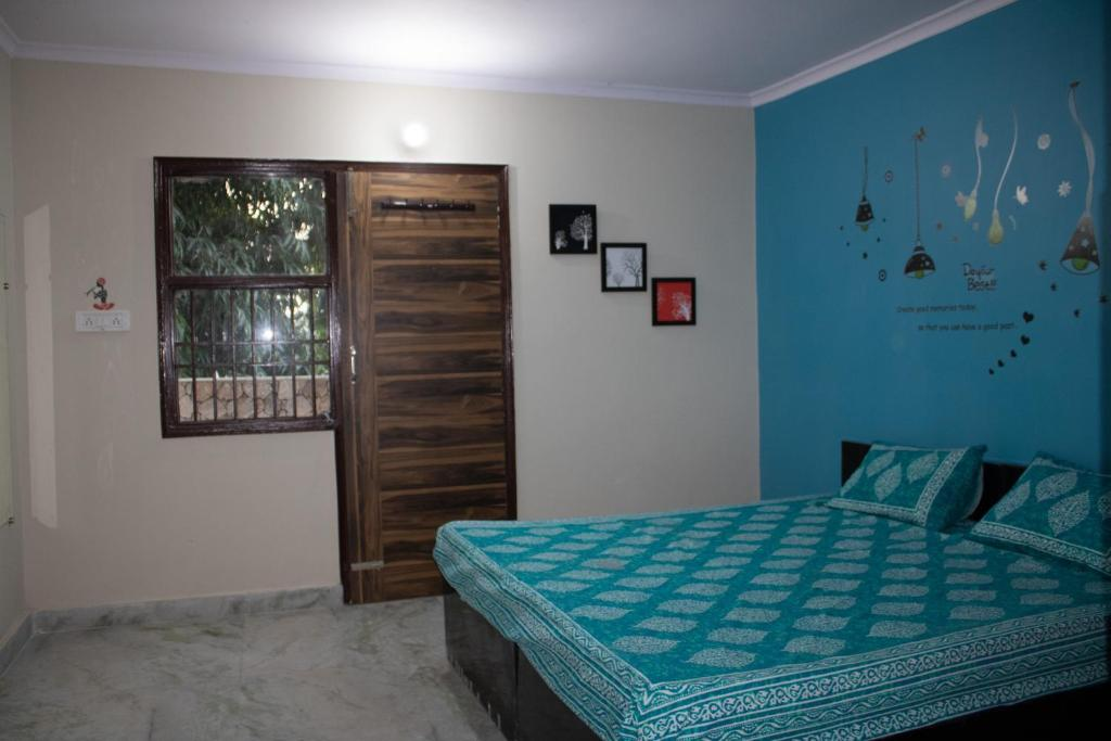 Complete Studio Apartment- Ideal for Long term Stays