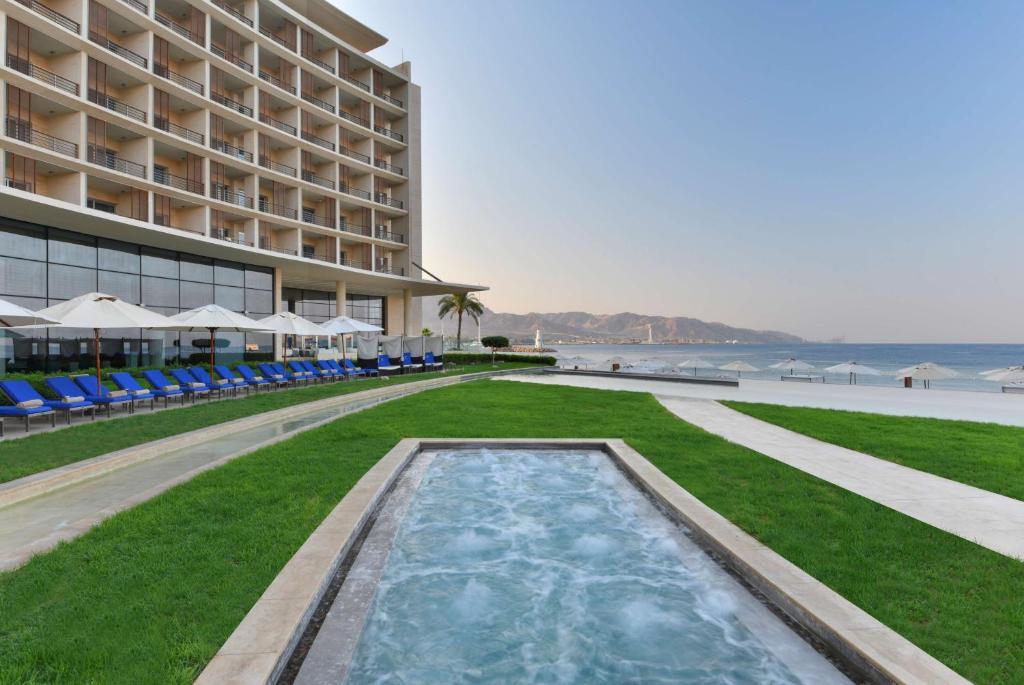 Het zwembad bij of vlak bij Kempinski Hotel Aqaba