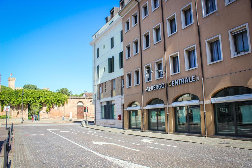 Hotel Centrale Este, Italy