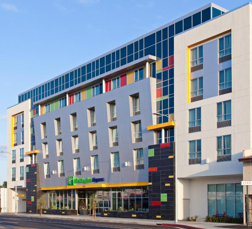 Holiday Inn Express North Hollywood