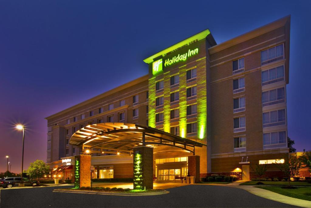 Holiday Inn Hotel Detroit Metro Airport