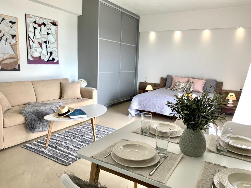 Thelfi Luxury studio in Attica - close to varkiza beach