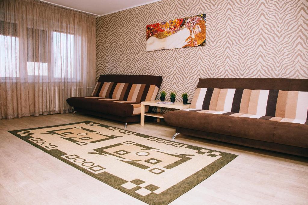 A seating area at Apartamenty Kalina na Nikitina 32