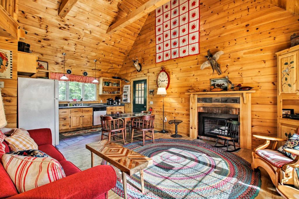 Rustic East Dover Home with Deck - Near Mount Snow!