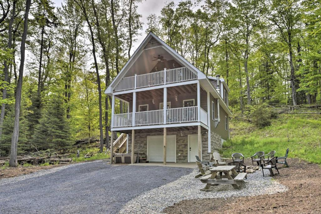 Cozy Old Forge Home with 2 Porches, Fire Pit, Hot Tub