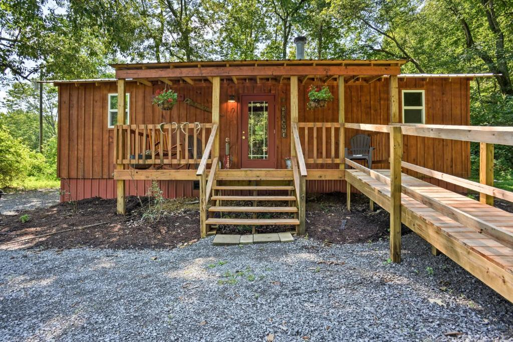 Secluded Cabin with 2 Fishing Ponds, Trails and More!