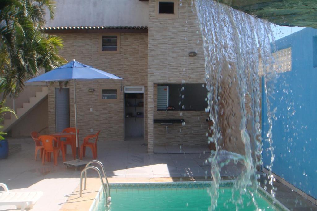 A piscina localizada em stellamares apartamentos ou nos arredores