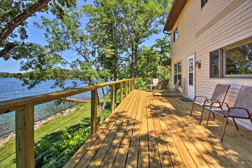 Lakefront Brandon Home With Fire Pit Deck Dock Brandon Harga 2020 Terbaru