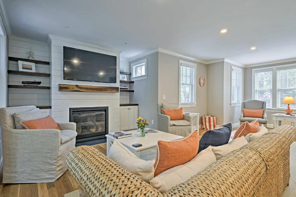 A seating area at Luxurious West Yarmouth House with Backyard and Bay Views