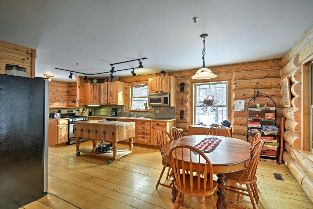 Lavish Tustin Cabin on 7 Acres with Fire Pit & Porch!