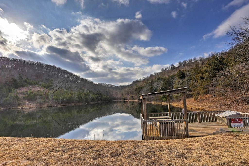 Spectacular Branson West Retreat with View of Ozarks!