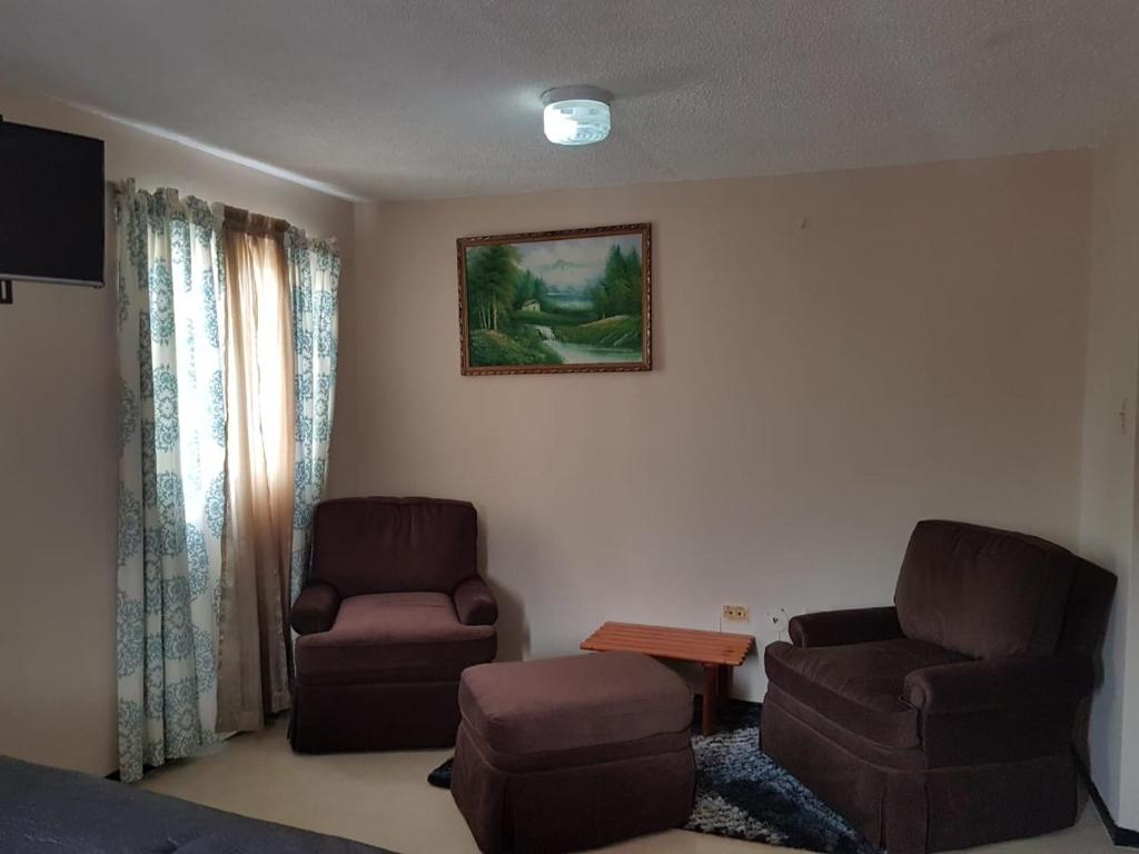 A seating area at Home away from home clean and secure