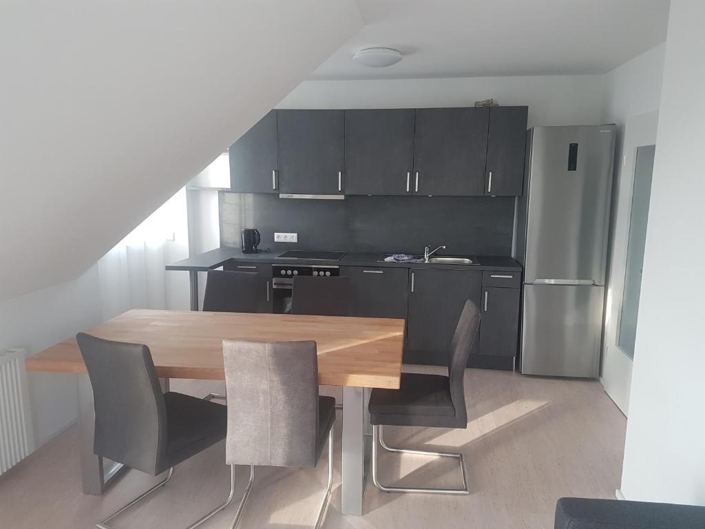A kitchen or kitchenette at 50 Quadratmeter abgeschlossene Wohnung mit Panoramablick
