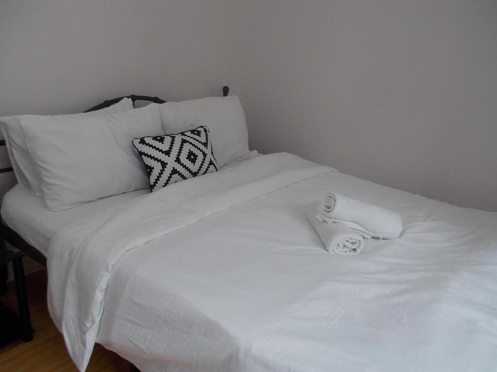 Estien's cozy condo to stay with kitchen