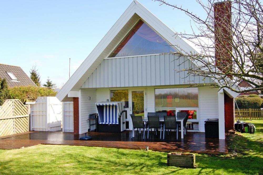 Ferienhaus mit Sauna, 200m zum Ostsee-Strand